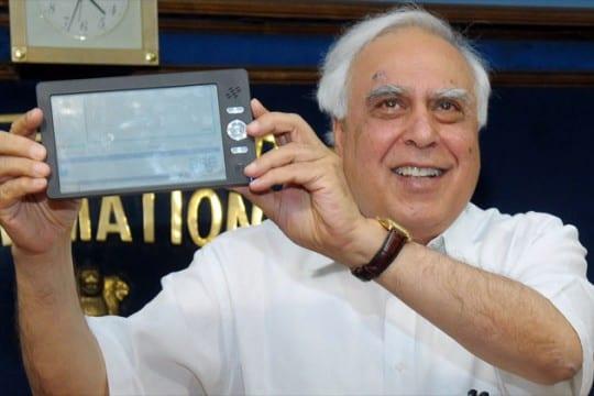 """Το """"tablet των 35 δολαρίων"""" ετοιμάζει η Ινδία…"""