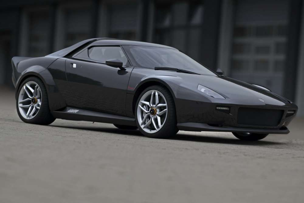 Τη νέα Stratos οδηγά ο mr Ferrari, Luca di Montezemolo…