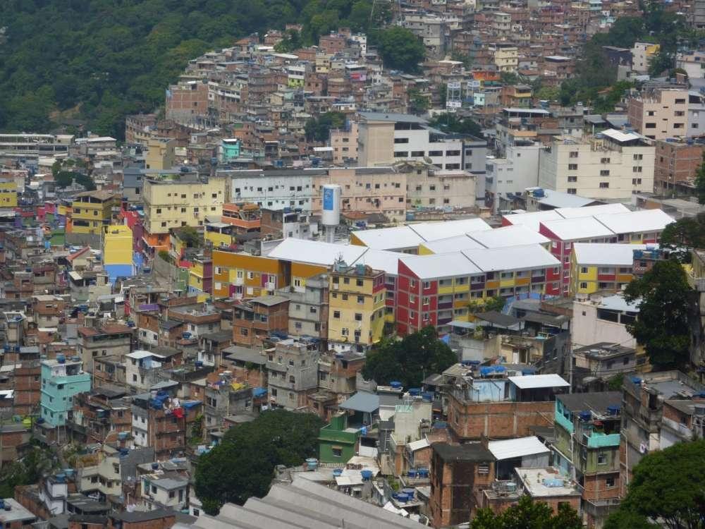 Μια tech λύση για το πιο φτωχό τμήμα του εξωτικού Rio: Τελεφερίκ πάνω από τις Favelas…