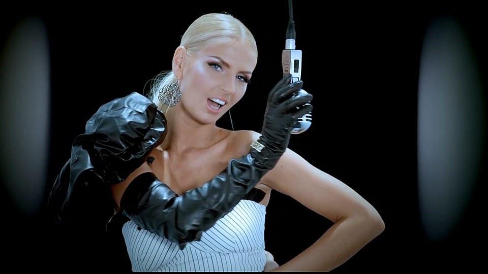 "Andreea Banica feat Dony ""Samba"": το clip της ημέρας – για να πάρουμε κλίμα καλοκαιριού!"