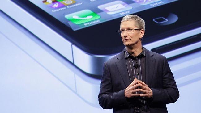 Πετάει… 'σπόντες' για φτηνό κινητό η νέα 'κεφαλή΄της Apple…