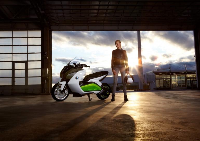 BMW Concept  – το electro-scooter που θέλει την πόλη (σου)…