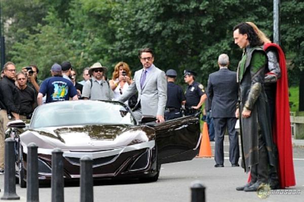 """Ο Tony Stark αλλάζει τα Audi για ένα Acura στο """"The Avengers""""…"""