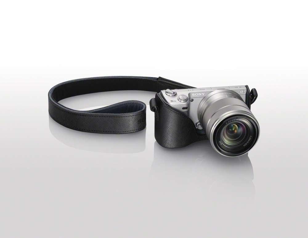 Sony NEX-5N – και όλα τα αξεσουάρ της…