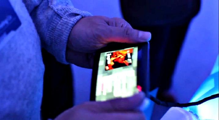 Εύκαμπτο κινητό – δουλεύει, σε πρωτότυπο, στο Nokia World…