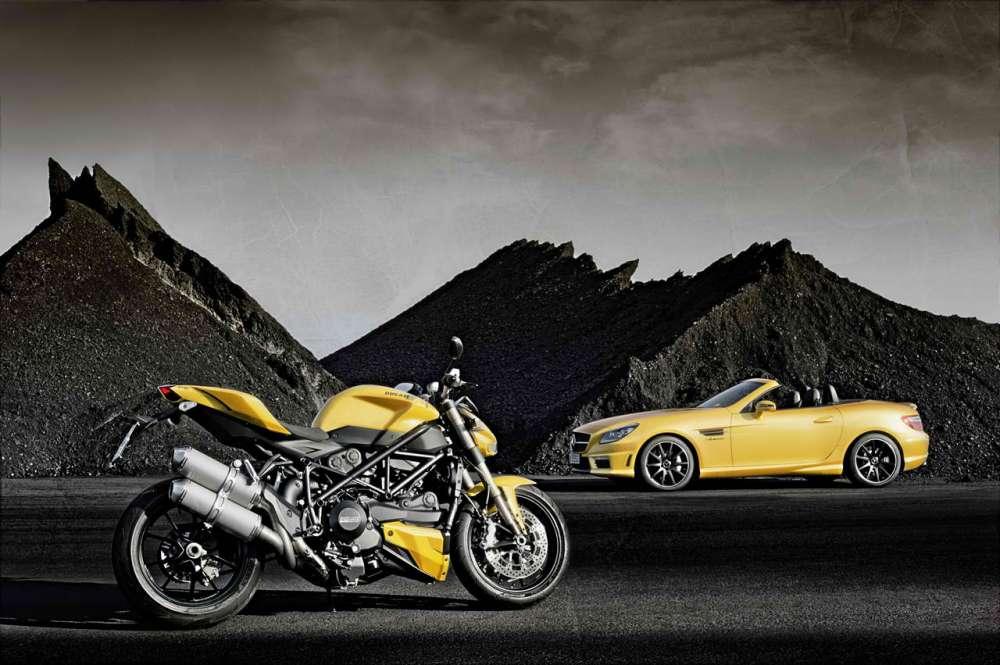 Mercedes-Benz  SLK 55 AMG και Ducati Streetfighter 848…