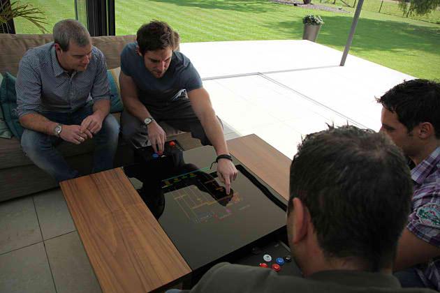 Surface Tension Arcade  – ένα άλλο τραπέζι…