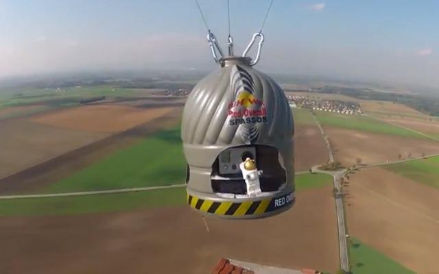 LEGO + Stratos jump + Felix Baumgartner…