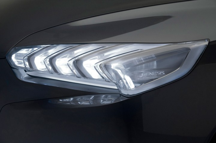 01-Hyundai-HCD-14-Genesis-Concept 4
