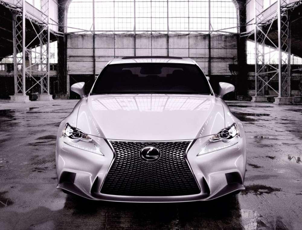 2013-Lexus-IS-02