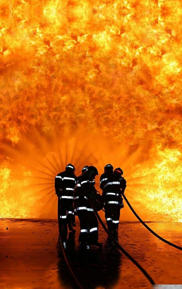 Ειδικό κράνος που δονείται σώζει πυροσβέστες…