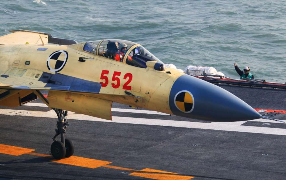 Chinese-Aircraft-Carrier-Liaoning-