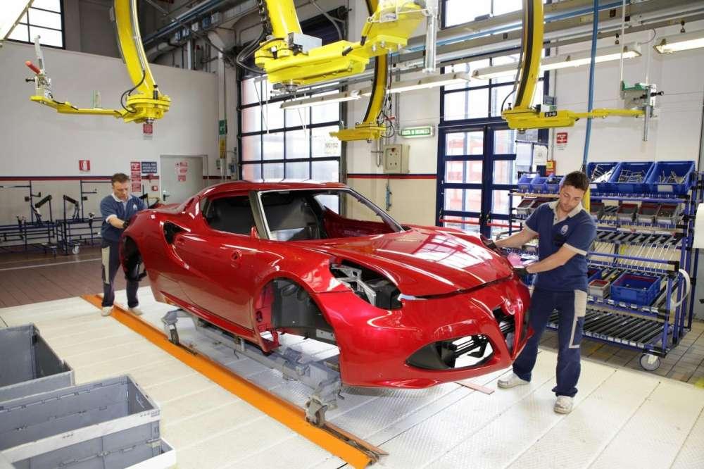 Alfa Romeo 4C – έτσι φτιάχνεται το σώμα από ανθρακονήματα…