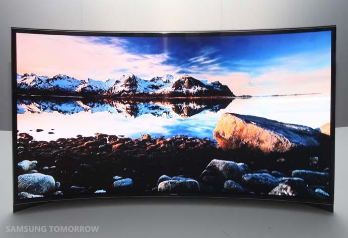 Μια πανάκριβη 55άρα κυρτή OLED HDTV για τη Seoul…