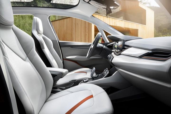 03-BMW-Concept-Active-Tourer-Outdoor-Interior-720x481