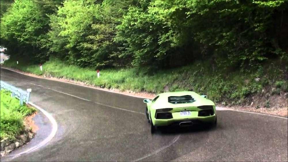 100 Lamborghinis