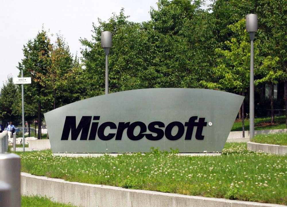 Microsoft – αγοράζει τις συσκευές και τις υπηρεσίες Nokia…
