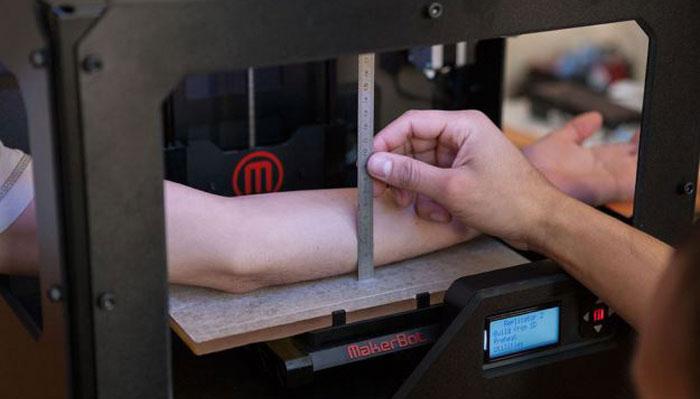 Άλλαξαν ένα Makerbot εκτυπωτή για να φτιάχνει… robottatoo!