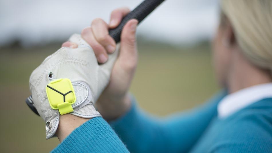 Με αυτό το wearable βελτιώνει το παιχνίδι στο γκολφ…