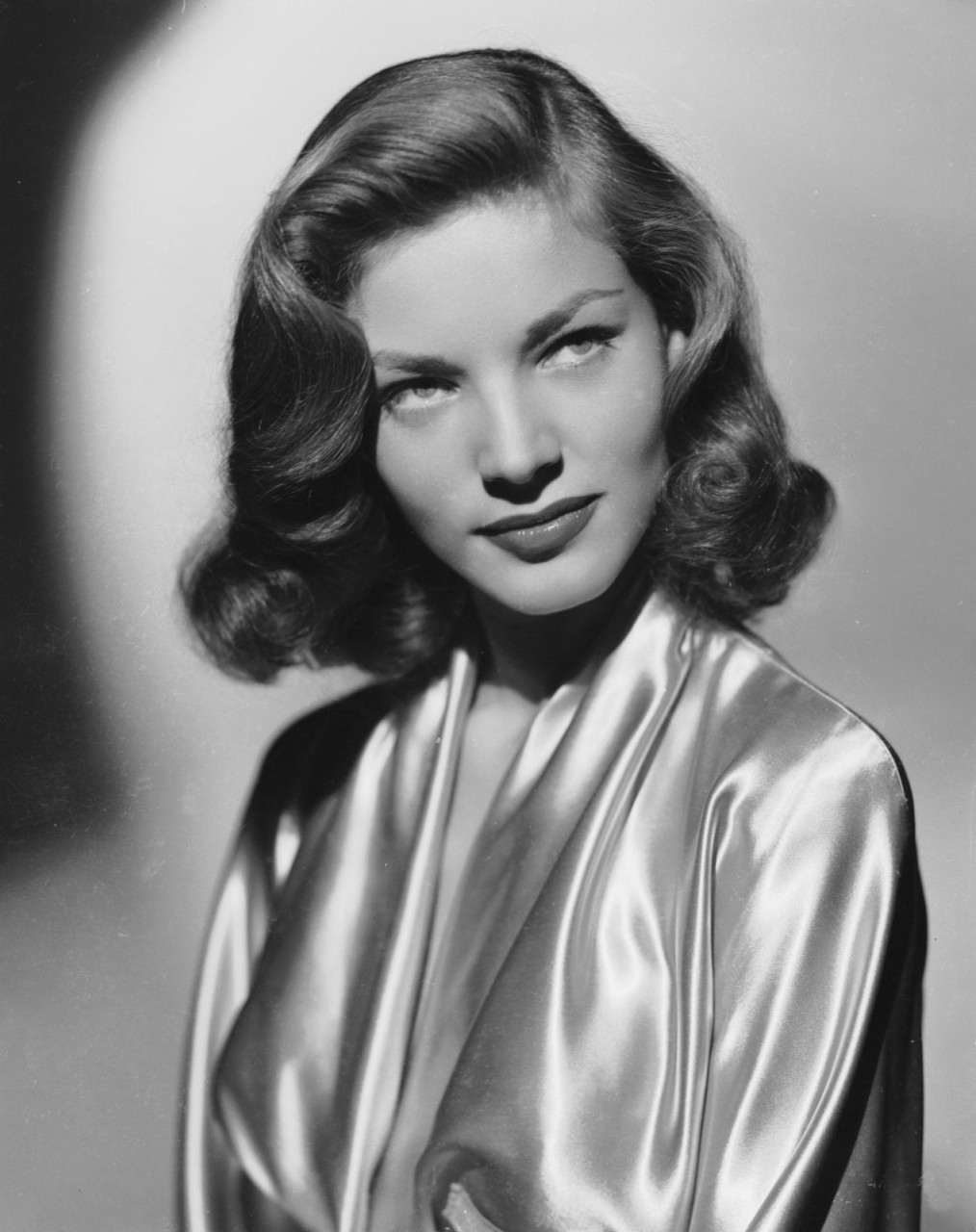 11 cinematic στιγμές Lauren Bacall…