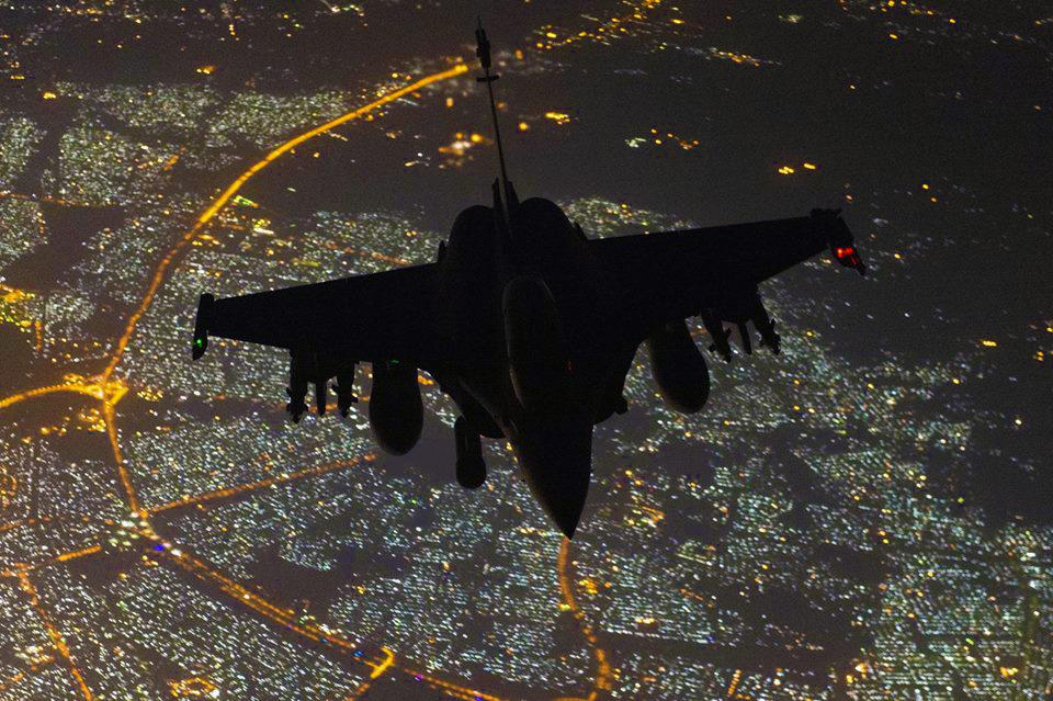 Γαλλικό Rafale κάνει τον… Batman πάνω από τη Βαγδάτη!