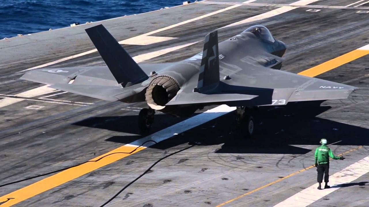 Το F-35C σε μια ιστορική προσγείωση…