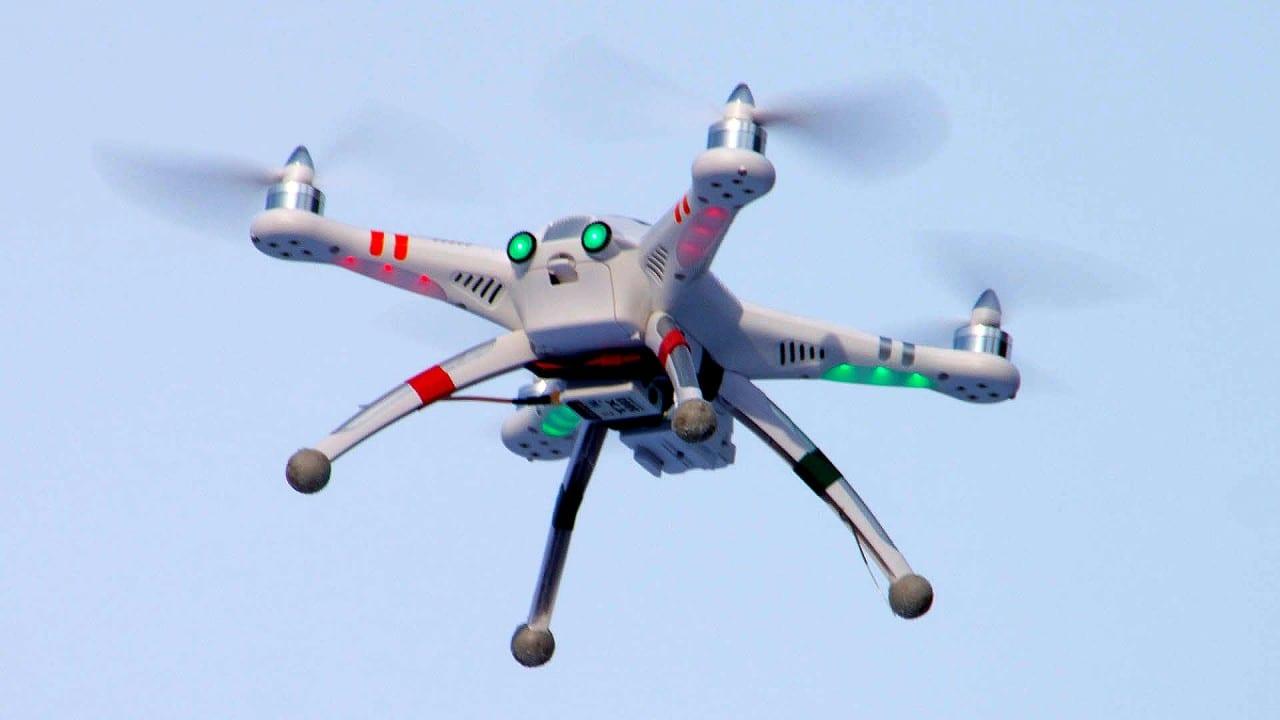 Walkera-QR-X350-Quadcopter-Hovering