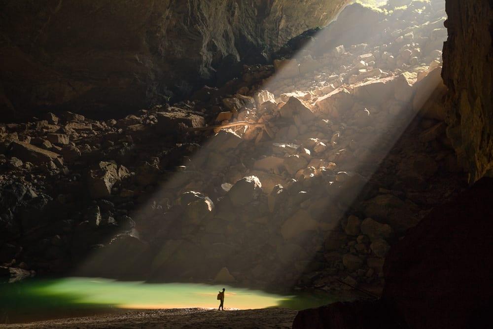 Μια απίστευτη πτήση drone στη μεγαλύτερη σπηλιά του κόσμου…