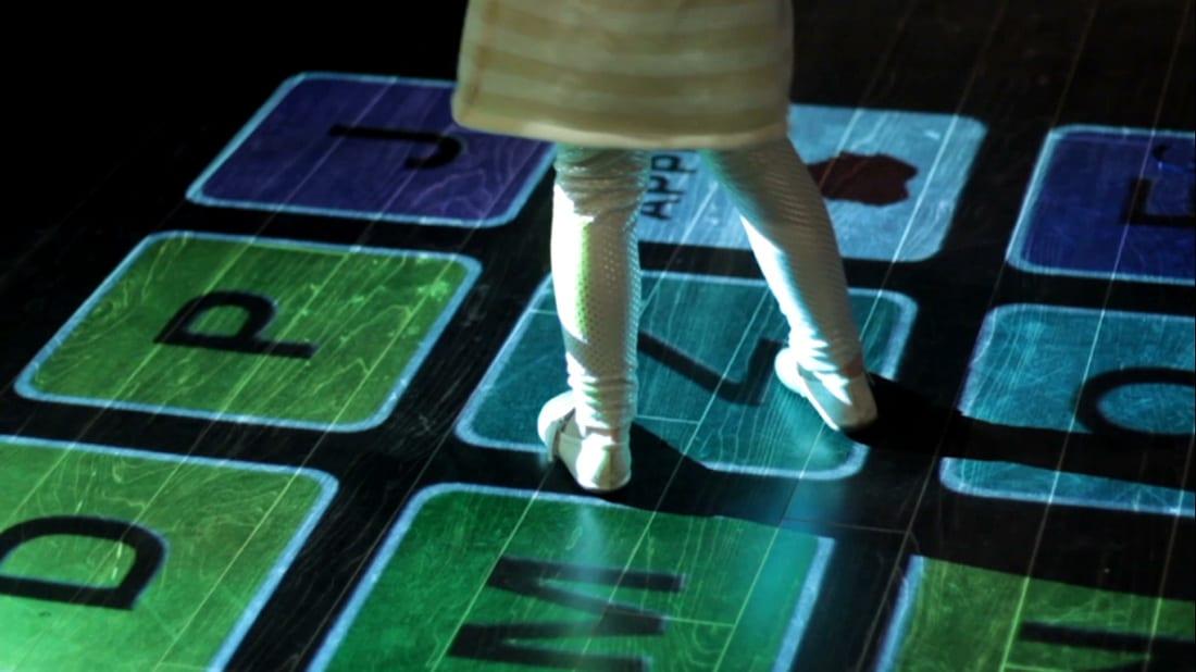 Lumo Interactive Projector – παιχνίδι στο παιδικό…