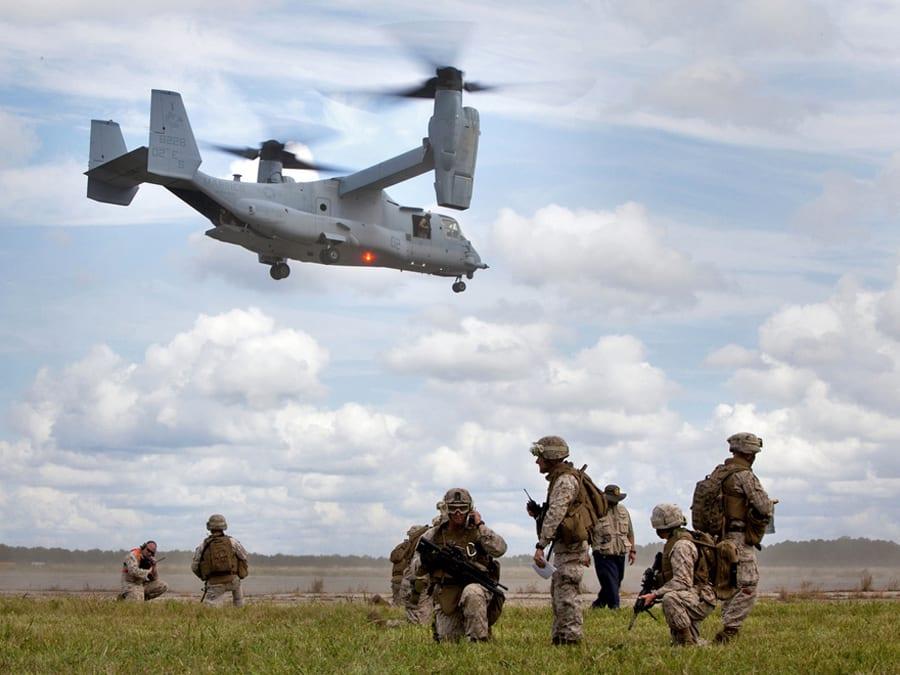 Extreme μεταφορά φορτίων – ένα V22 Osprey 'από μηχανής μεταφορέας'!
