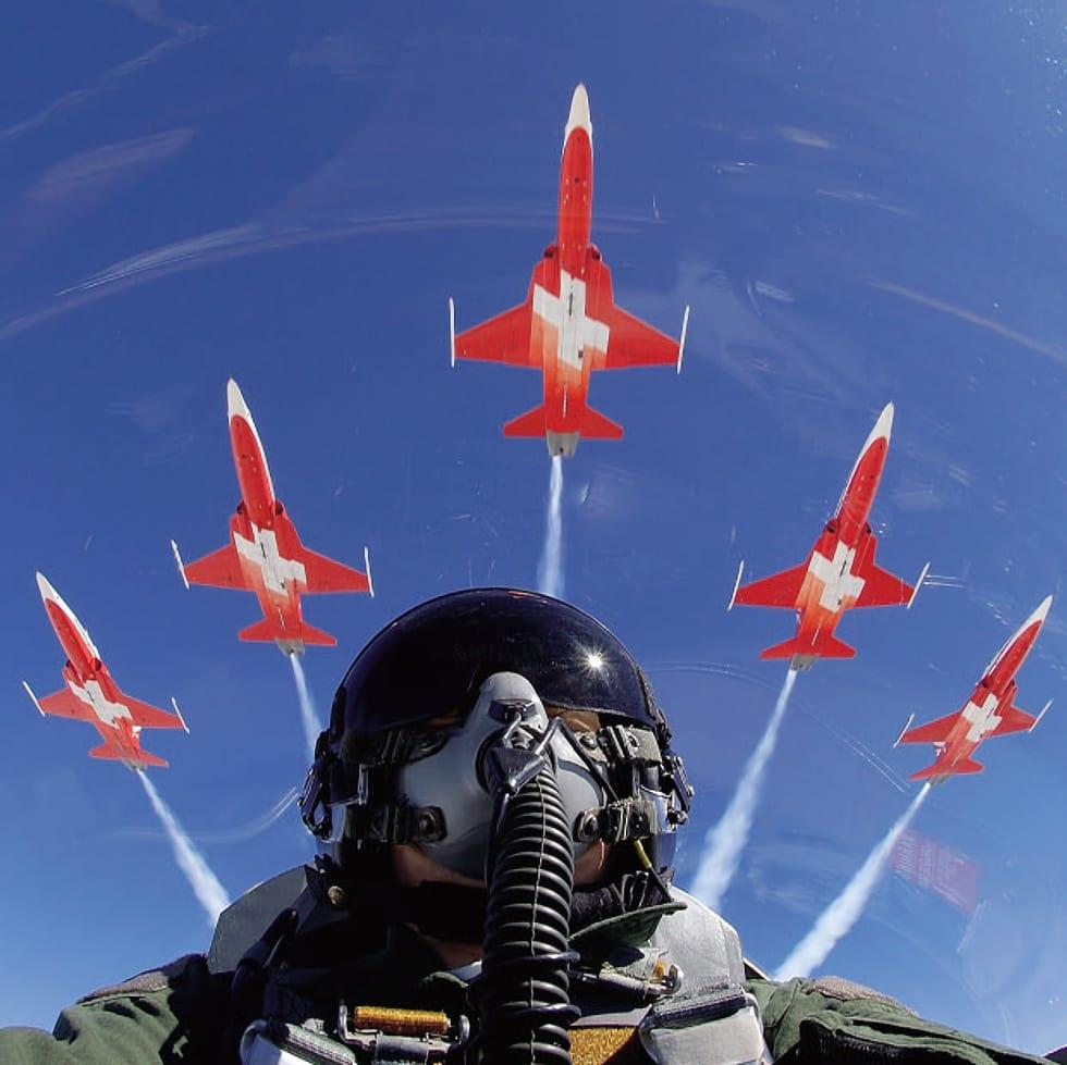 In Flight – Πετώντας με τη Patrouille Suisse σε 4K