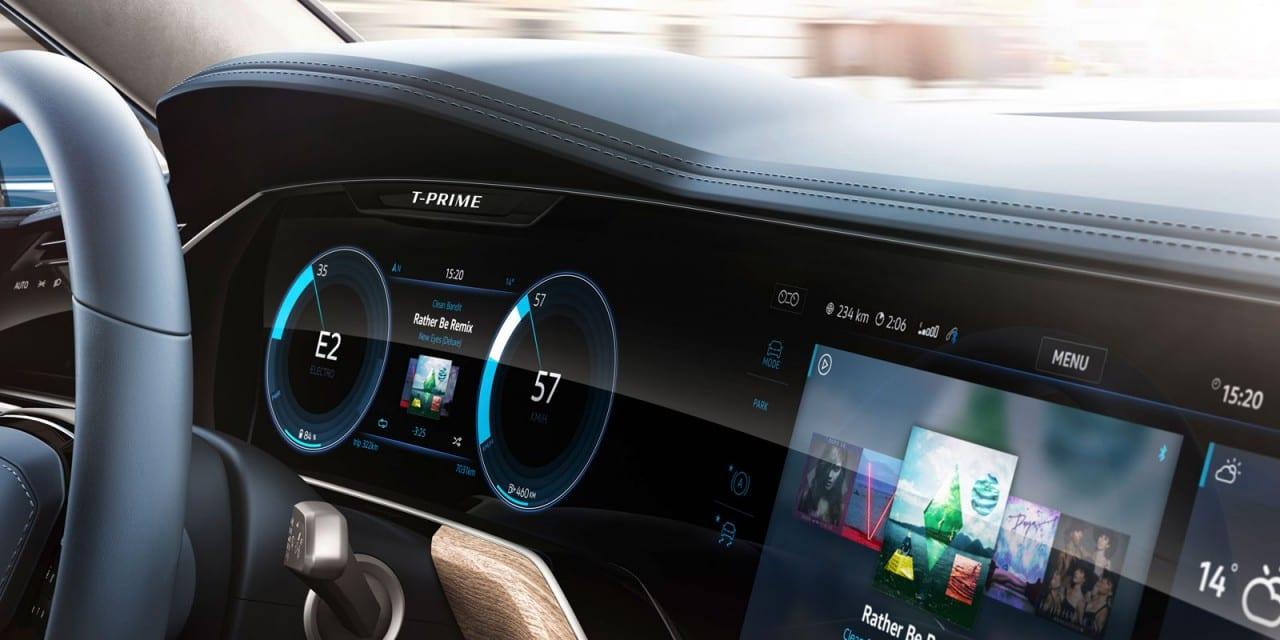 05-Volkswagen-T-Prime-Concept-GTE-Interior-03