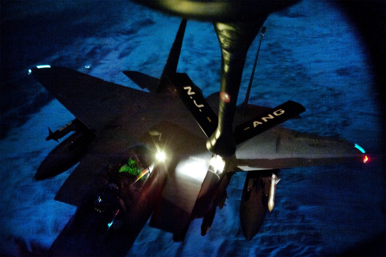 Υπέροχα εναέρια πλάνα – Ένα F-15E 'χορεύει'