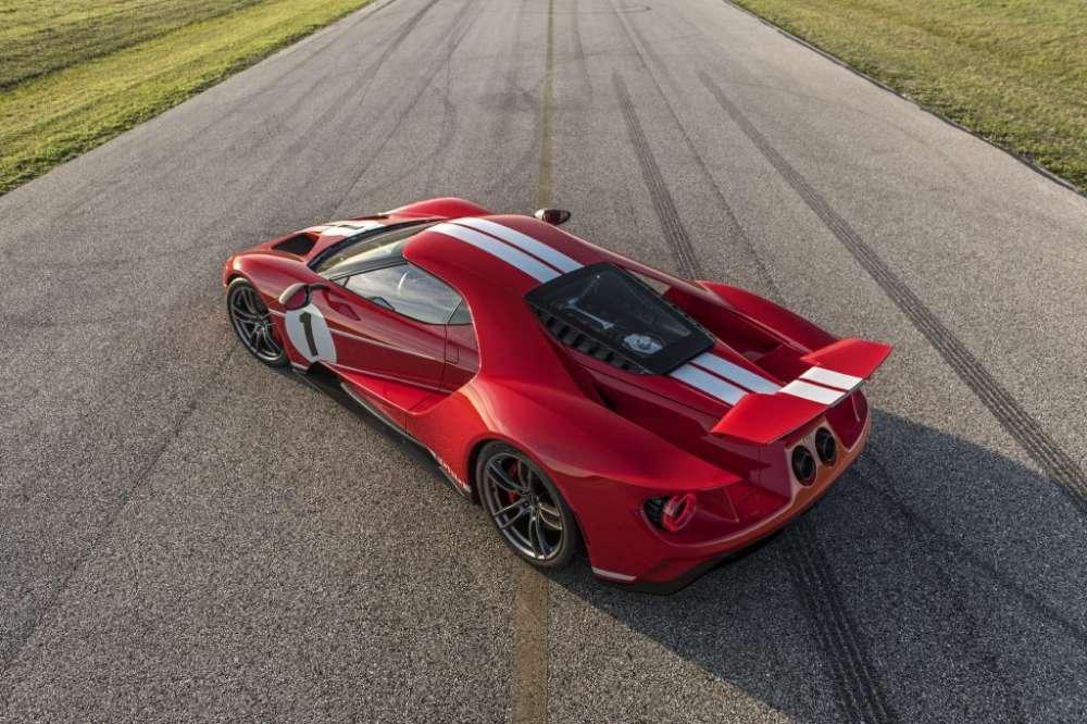 2018 Ford GT Vs McLaren 720S
