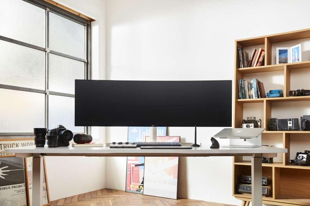 LG UltraWide Monitor 49WL95 + UltraGear Gaming Monitor