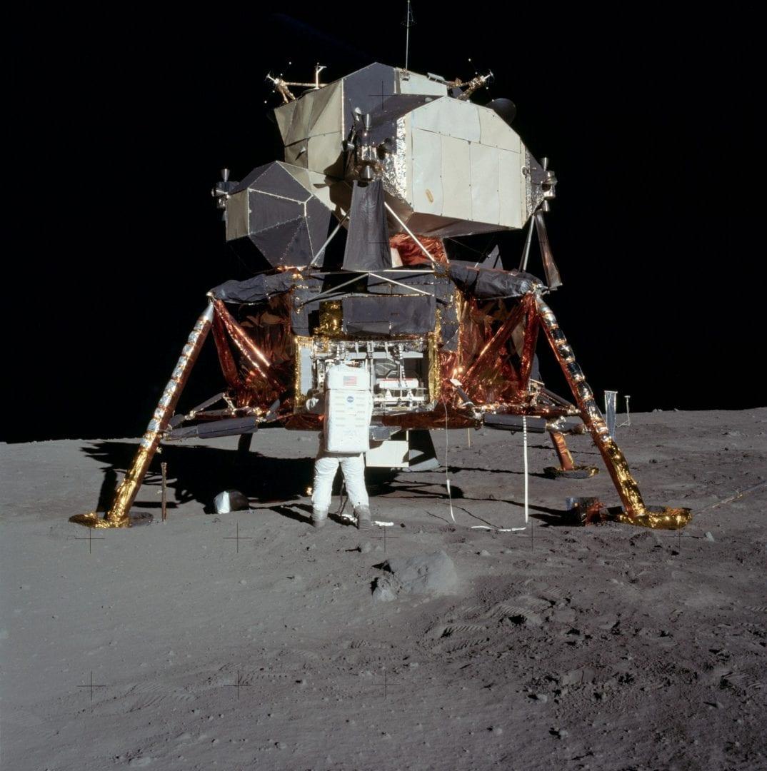 Ο Άνθρωπος στη Σελήνη