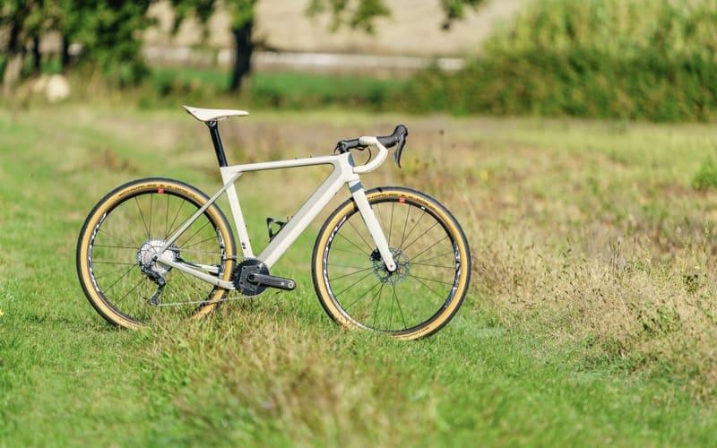 3T x BMW Exploro Ποδήλατο