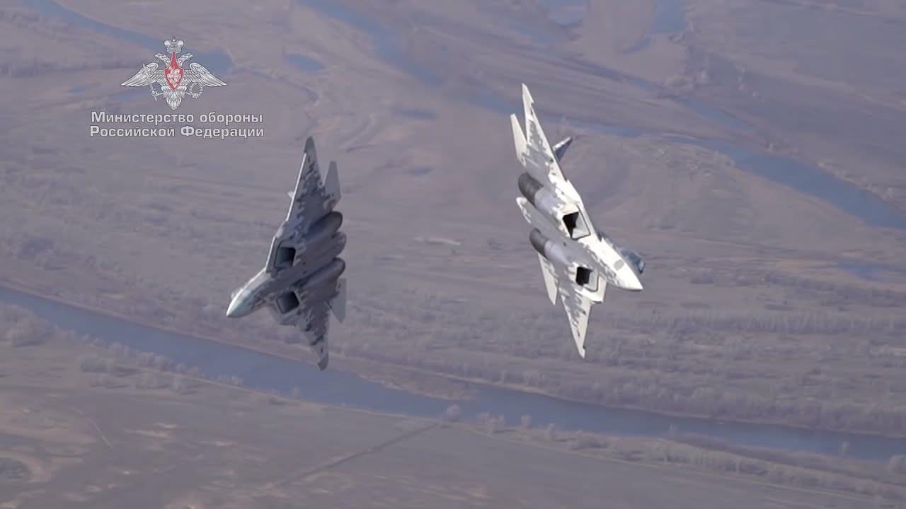 Extreme ελιγμοί με το Su-57 μαχητικά
