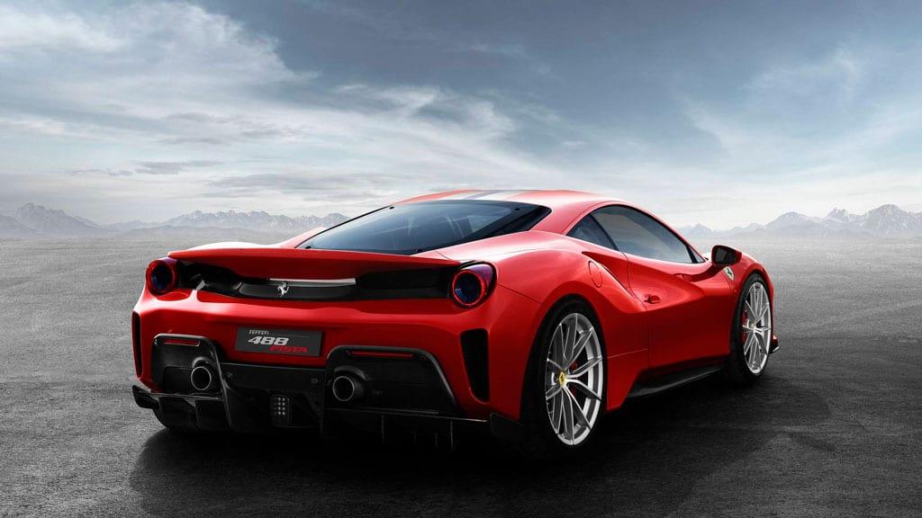 Στο δρόμο με μια Ferrari 488 Pista