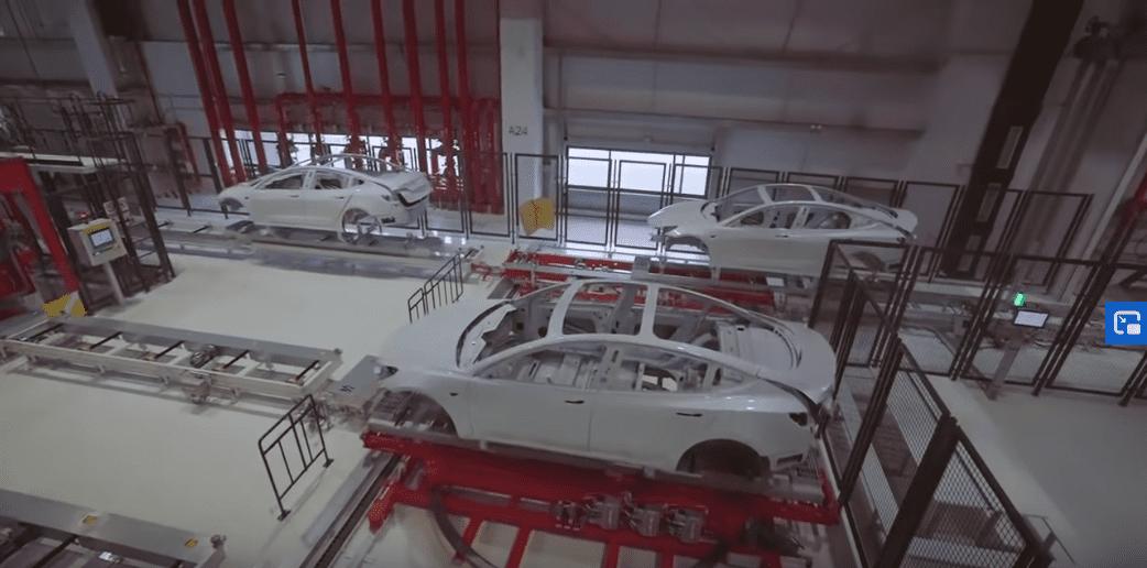 Στα ενδότερα του Tesla Gigafactory 3