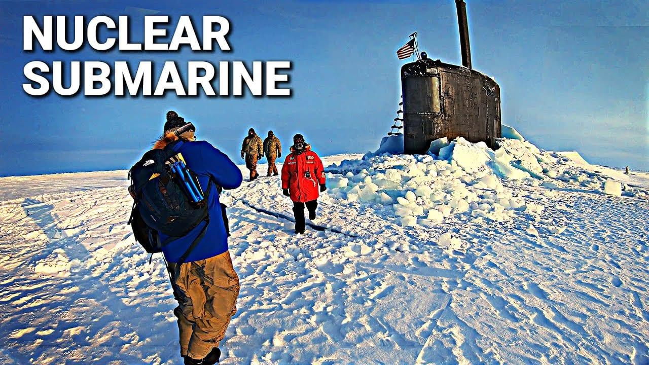 Σε ένα πυρηνικό υποβρύχιο στον Αρκτικό