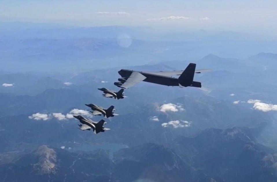 Συμμετοχή της ΠΑ σε Αποστολή Συνοδείας Αμερικανικών Αεροσκαφών B-52