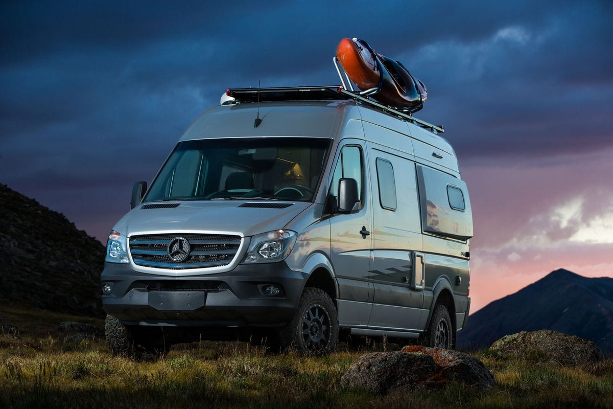 Outside Van 4WD Mercedes-Benz Sprinter 170 EXT Van