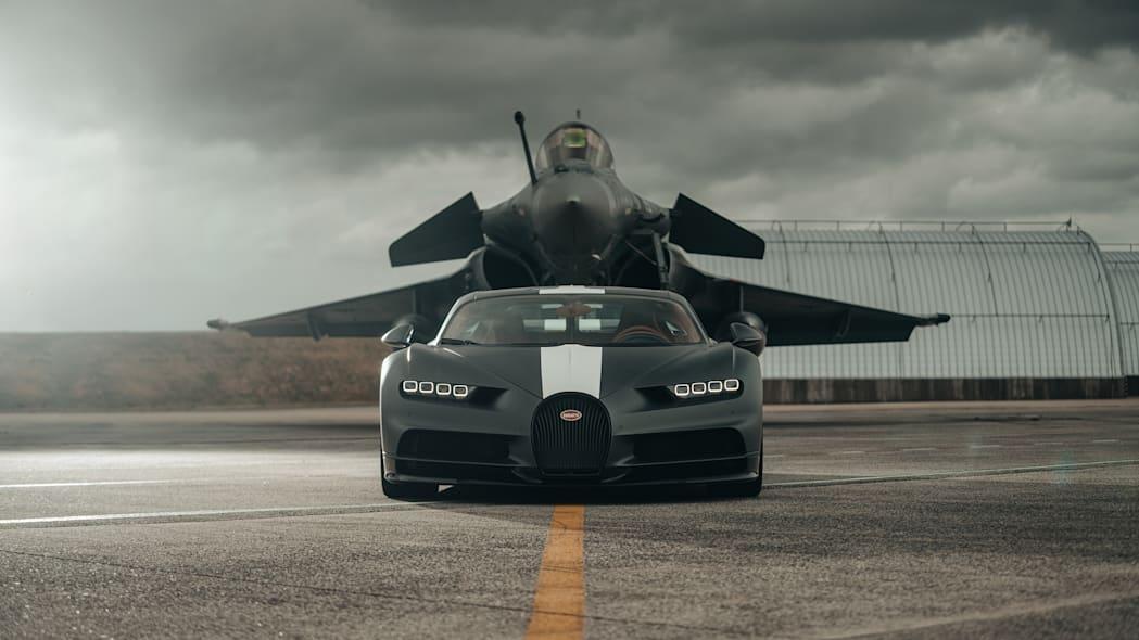 Μονομαχία κορυφής – Bugatti Chiron Sport Vs Dassault Rafale