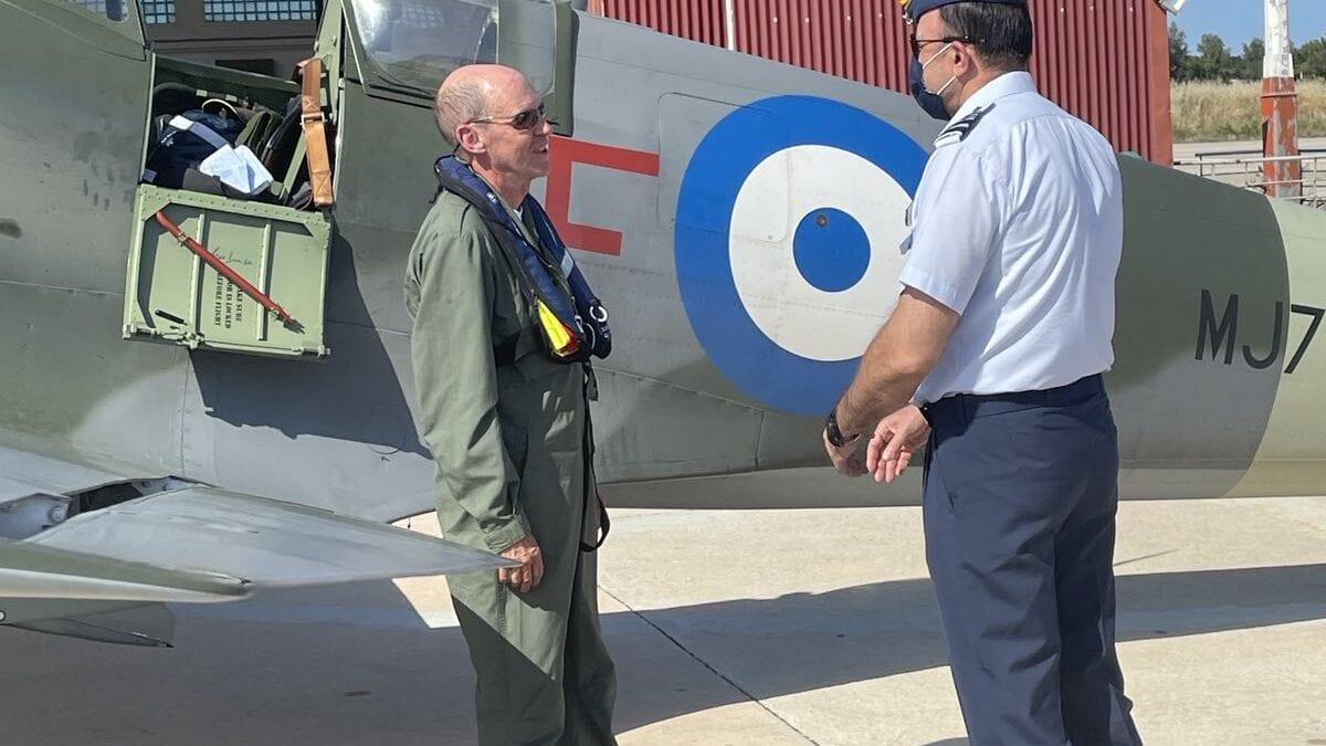 Ο θρύλος προσγειώθηκε – στην Ελλάδα το ανακατασκευασμένο Spitfire MJ755