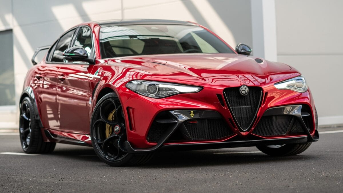 Στο δρόμο με τις Alfa Romeo Giulia GTA και GTAm