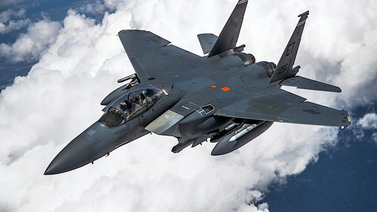 Το ολοκαίνουργιο F-15EX σε Εναέριο Ανεφοδιασμό