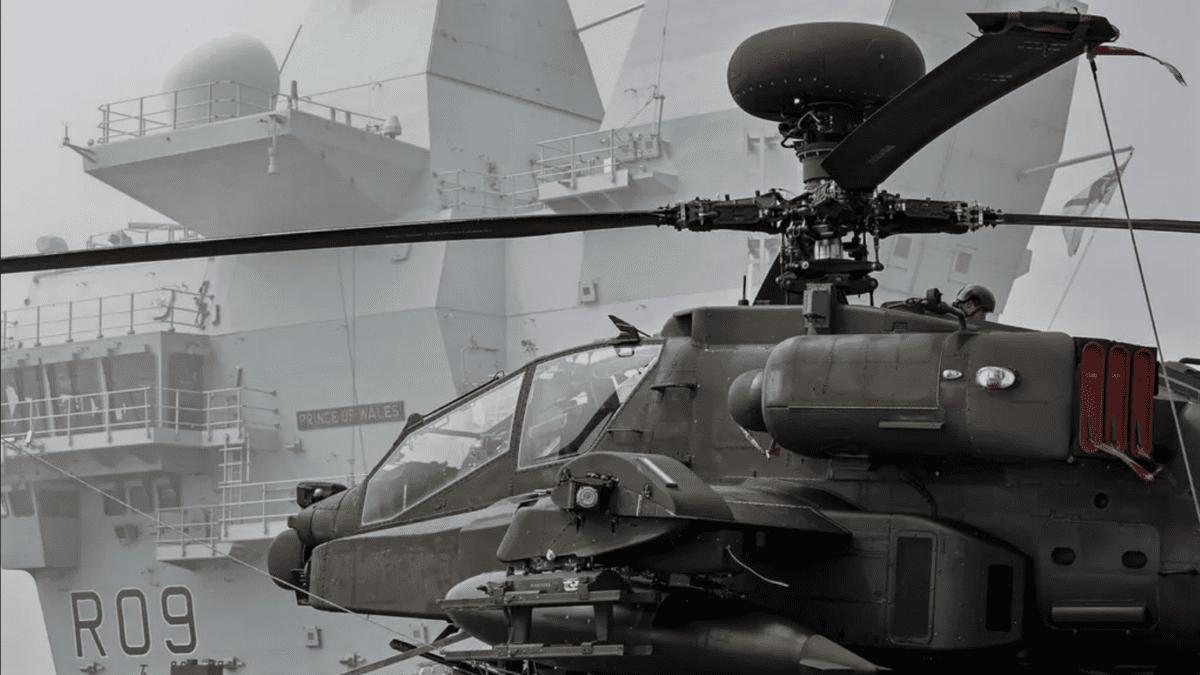 HMS Prince Of Wales + Apache στο νερό