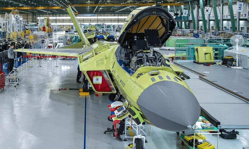 To κορεατικό μαχητικό KF-21 Boramae ενισχύεται τεχνολογικά