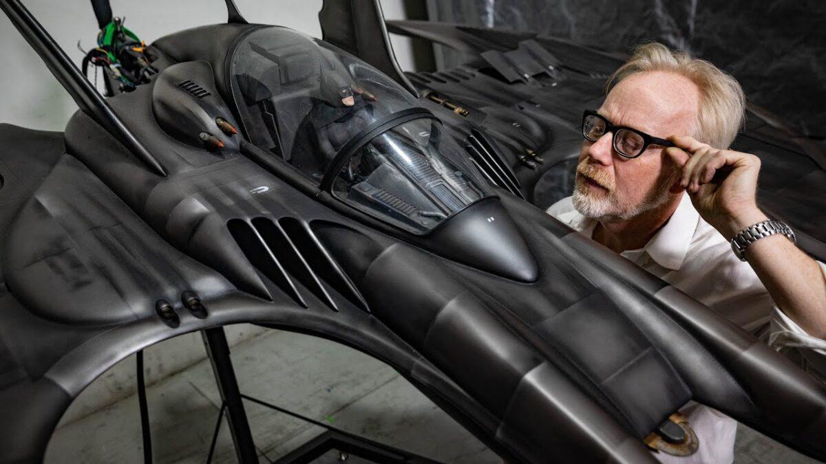 Ανακασκευάζοντας το Batman Batwing του 1989